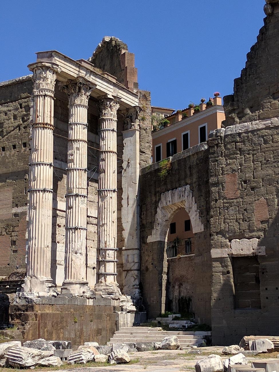 Le tre colonne ancora esistenti del Tempio di Marte Ultore